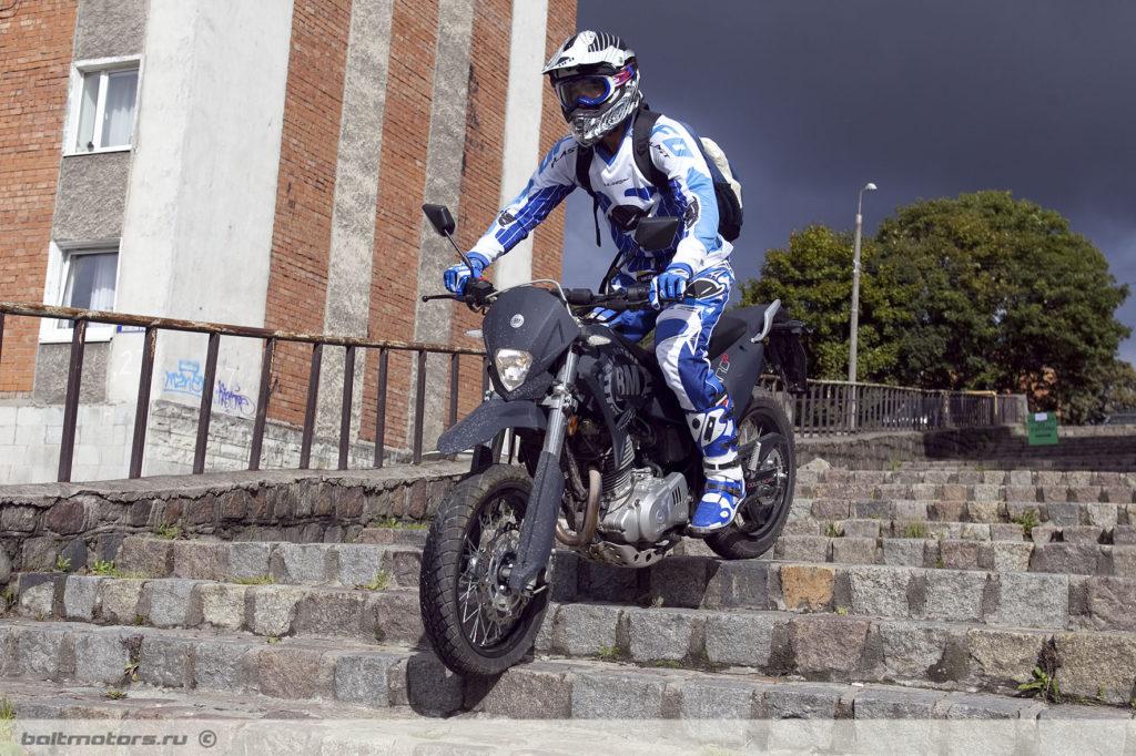 Мотард отличный выбор в качестве первого мотоцикла для новичка