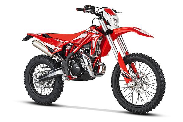 Beta Xtrainer отличный мотоцикл для новичков в эндуро. Легкий и низкий по седлу. Мощный, но послушный двигатель
