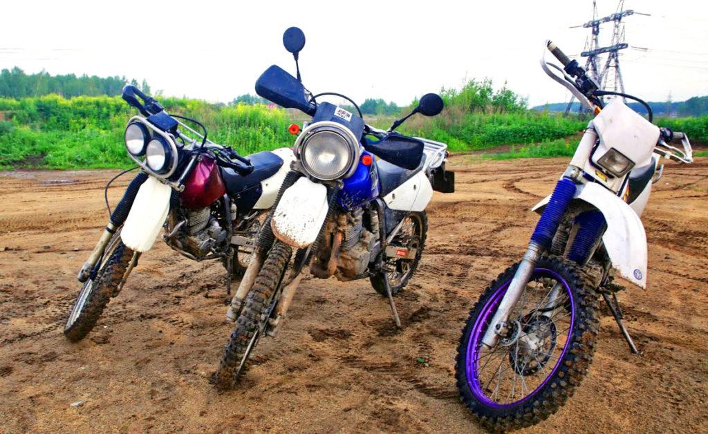 Yamaha TTR250, Suzuki Djebel 250 и Honda XR250 Baja